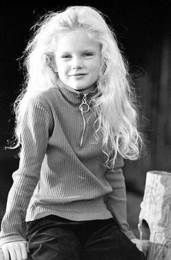 Little Taylor- Did you know that Taylor's mom named her Taylor because if you saw her name on a business card you wouldn't know if she was a man or a woman!: Taylorswift, T Swift, Taylor Swift ️, Celebs, Taylor Swift 3, Young Taylor, Kid