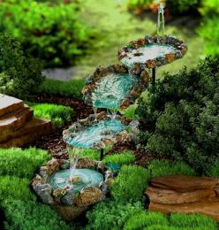 love this little fountain: Idea, Yard, Water Features, Cascading Pools, Outdoor, Gardens, Water Fountains, Garden Fountains, Small Garden