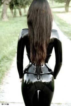 Lovely long hair & nice shiny ass!: Fashion, Sexy Latex, Latex Catsuit, Beautiful, Corset, Latex Fetish, Leather, Black