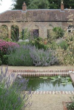 Low maintenance simple garden with Mediterranean flair. Use pea gravel, lavender, sage, grasses, catmint, coneflower.: Dream, Brick, Courtyard Gardens, Tuscan Garden, Mediterranean Garden, French Garden