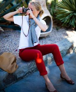 Make it Cabi with the lobster pigment leggings, resort tee and the Blaine tube as an infinity scarf!: Fashion, Striped Scarves, Red Jeans, Style, Outfit, Spring Summer, Redpants, Red Pants