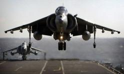 Now if that don't make ya shit yourself.....LOVE these planes!!!!: Av 8B Harrier, Av8 Harrier, Harrier Jump Jets, Helicopters Airplanes Drones, Planes Jets Bombers, Airplanes Helicopters Jets