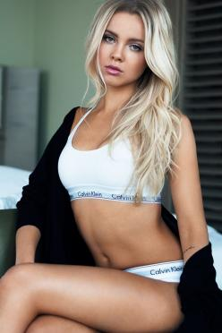 Pinterest : Gold Shawty: Blonde, Lingerie, Underwear, Beautiful, Sexy Girls, Beauty, Calvin, Hot Sexy Babes, Hotgirls Sexy