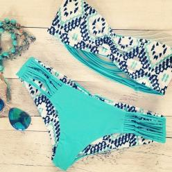 Printed bandeaus + solid color bottoms.: Printed Bandeaus, Bathing Suits, Solid Colors, Color Bottoms, Bikinis, Bathingsuits, Swimsuits ️