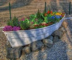recycled tin boat garden: Old Boats, Garden Ideas, Outdoor, Gardening, Gardens, Flower, Boat Garden