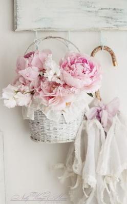 S ℎ a b b y . C ℎ i c - Copyright Nelly Vintage Home Photography at www.nellyvintagehome.blogspot.com: Rose, Vintage Shabby, Shabby Chic, Pink, Flowers, Shabbychic, Peonies