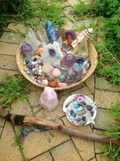 Soaking up the full moon energies :) happy sparkling crystals :): Healing Stones And Crystals, Crystal Cluster, Stones Crystals, Full Moon, Crystals Rocks, Crystals Gemstones, Crystals Stones Minerals