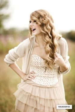 Taylor Swift Fearless photoshoot   When no one else was there, Taylor Swift and her music were there for ...: Girls, Swifties Unite 13, Country Girl, Stylista Taylorswift, Swifties Pics, Taylor Swift Curls, People, Taylor Swift Style