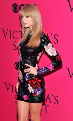 Taylor Swift Gets Model Banned: Taylor Swift, Taylorswift, Style, Fashion Show, Dress, Carpet, Victoria S Secret, Victoria Secret Fashion