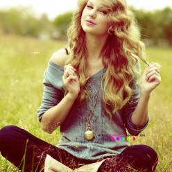Taylor Swift is known for her narrative songs about her experiences as a teenager and young adult.: Taylor Swift, Sweaters, Fashion, Taylorswift, Style, Clothes, Dream Closet, Outfit, Hair