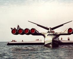 "the KM ""Caspian Sea Monster"" ekranoplan - it flew reliably for 15 years, until pilot error caused it to sink in 1980: Aka Caspian, Airplanes, Caspian Sea, Sink, Sea Monsters, Air Planes"