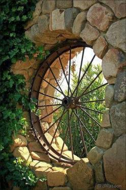 Wagon wheel feature..love this!: Wagonwheel, Ideas, Wagon Wheels, Outdoor, Gardens, Old Wagons, Garden Windows, Photo