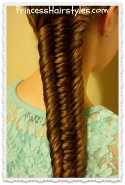 3 strand fishtail braid video tutorial, I think a princess Kate would like to have this hairstyle: Strand Fishtail, Hair Styles, Strands, Princess Hairstyles, Fishtail Braids, Hairstyle Braid, Fishtail Braid Hairstyles