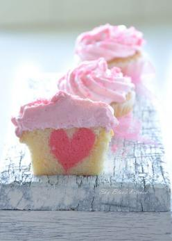 another v-day cupcake :): Sweet, Valentines, Cupcake Recipe, Pink Heart, Food, Valentine Cupcake, Heart Cupcakes, Valentine S, Dessert