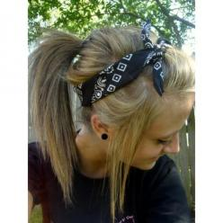 Bandana Hairstyle.: Hair Ideas, Pony Tail, Hair Styles, Cute Bandana Hairstyles, Makeup, Bandana Ponytail, Beauty, Bandanas, Bandanna Hairstyle