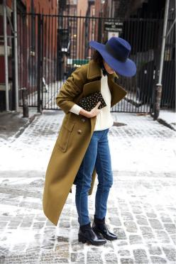 Because it's cold and maybe you don't know what to wear: Hats, Man Repeller, Fashion, Street Style, Outfit, Street Styles, Manrepeller, Fall Winter, Coat