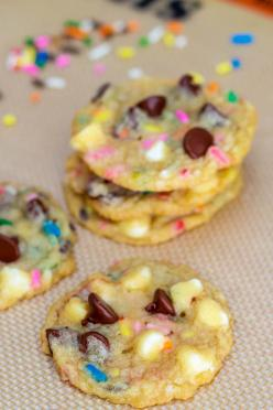 Cake Batter Chocolate Chip Cookies. These look like trouble!: Chocolate Chips, Recipe, Food, Batter Chocolate, Chocolate Chip Cookies, Cake Batter, Dessert, Batter Cookies