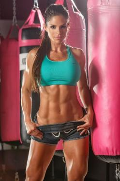 "Can't see the stellar set of ""six-pack abs"" that you've been slaving over? Slow down and simplify. One of these two issues (if not both) is undoubtedly causing all of your CORE woes.: Fitness Models, Fit Women, Michelle Lewin, Michelle Lewin, Fitness Insp"