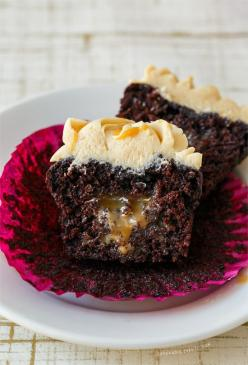 Dark Chocolate and Caramelized White Chocolate Cupcakes from @Lindsay Landis | Love and Olive Oil: Chocolate Caramel Cupcakes, Chocolates, Olive Oils, Cupcake Recipe, Food, Recipes, White Chocolate Cupcakes, Dark Chocolate Cupcakes
