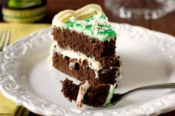don't swipe st paddys cakes 18 - https://www.facebook.com/different.solutions.page: Guinness Chocolate, Chocolates, Baileys Frosting, Chocolate Cakes, Baileys Irish Cream, Chocolate Stout, Cream Cheeses, Cream Cheese Frosting