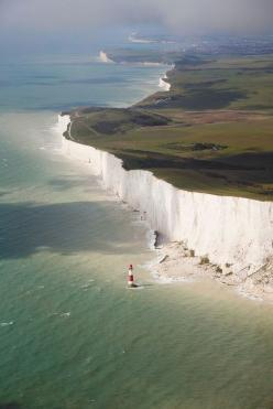 England's Breathtakingly Beautiful Chalk Cliffs: If you get a chance to travel to England, don't just visit a major metropolitan city like London, head further south to witness one of the most beautiful destinations in the world. The highest chalk