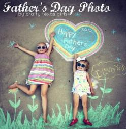 Great collection of photo ideas for Father's Day - Crafty Texas Girls.  http://www.craftytexasgirls.com/2012/06/crafty-how-to-fathers-day-photo.html: Craft, Photo Ideas, Gift Ideas, Chalk Photo, Fathers Day, Father'S Day, Fathersday, Kid