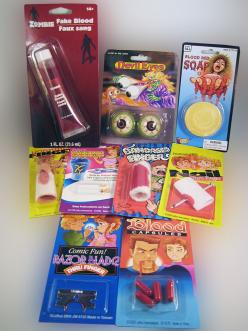 HORROR PRANK KIT....... We have combined a collection of gory gags to scare your family and friends. Nine different horror pranks in one kit. So, who'll be your first victim?  (www.theonestopfunshop.com): Gift Ideas, Horror Pranks, Prank Kits, Dr. Who