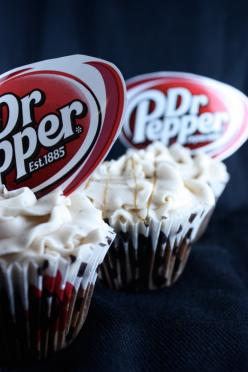 I'm not a HUGE soda drinker, but when I do, Dr. Pepper is one of my first picks. These cupcakes look delicious.: Cup Cakes, Sweet, Drpepper Cupcake, Cupcake Bsinthekitchen, Food, Bsinthekitchen Com Drpepper, Taste Recipe, Dr Pepper Cupcakes