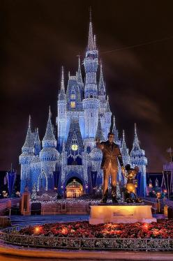 I've already been to Disney World, but I want to go when it's not raining and when the castle looks like this!: Walt Disney, Favorite Places, Dream, Magic Kingdom, Beautiful, Disney Castles, Cinderella Castle, Things Disney, Disney Worlds
