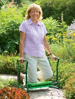 I don't like to admit this, but I could use this. But I like it in purple.  There is enough green around our house.: Garden Kneeler, Garden Ideas, Garden Tools, Gardening Products, Yard, Gardening Tools, Gardens, Flower Gardening, Adaptive Gardening