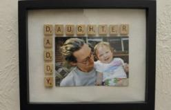 "I LOVE this idea for Father's Day when I have little girls! ""Daddy Daughter Frame Tutorial"": Craft, Gift Ideas, Scrabble Tile, Father'S Day, Fathers Day, Fathersday, Daddy Daughter"