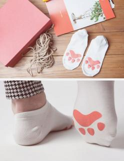 KawaiiBox.com ❤ The Cutest Subscription Box: Cat Fashion, Cat Paw Socks, Cat Accessories, Diy Kawaii Accessories, Diy Cat Clothes, Cute Socks, Cat Socks