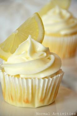 lemon cupcakes with lemon curd filling and lemon buttercream. OH MY! I have lemons....have to make!: Cupcakes Cake, Lemon Buttercream, Cuppycake, Lemon Curd, Cuppy Cake, Cup Cake, Lemon Cupcakes, Curd Filling