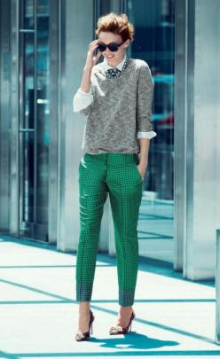 My classic work look... Ankle length pant & crisp shirt. Just need more vibrant colors like this: Fashion, Emerald Green, Statement Necklace, J Crew, Street Style, Jcrew, Work Outfits, Green Pants, Greenpants
