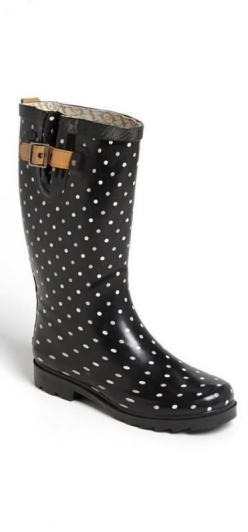Polka dot rain boots!  Don't know why I love rain boots so much.: Boots Women, Polka Dots, Rainboots, Rain Boots, Classical Dot, Chooka Classical