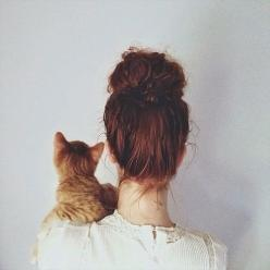 Put your paws up, cause' you were born to LOVE CATS!: Cats, Animals, Kitten, Girl, We Heart It, Hairstyle, Hair Style, Photo, Friend