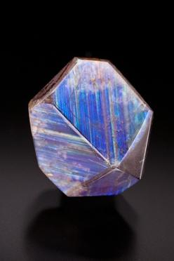 Rainbow Garnet from Mexico-My birthstone is garnet.  Never saw a blue garnet.  Would love to have one!: Gemstones Minerals, Crystals Minerals Gemstones, Gems Minerals Crystals Rocks, Crystals Minerals Gems Fossils, Gems And Minerals, Rainbow Garnet, Gem M