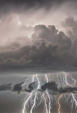 Sudden Lightning Storm. As much as I hate storms I can't deny how beautiful this picture is. Love it.: Sudden Lightning, Stormy Weather, Lighting Storm, Lightning Storms, Cloud, Nature S, Mother Nature