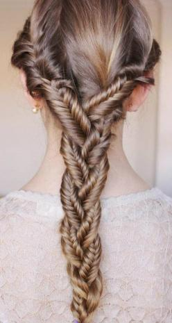 This is the coolest braid thing ever!!!!: Fish Tail, Hairstyles, Hair Styles, Fishtailbraids, Makeup, Purple Braid, Fishtail Braids, Beauty, Hair Color