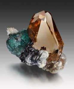 Topaz ~ Dassu, Braldu Valley, Skardu District, Baltistan, Gilgit-Baltistan (Northern Areas), Pakistan: And Minerals, Mineral Değerli Taşlar, Crystal Power, Awesome Rocks, Gem