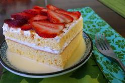 Traditional 3 Leches Cake. Mexican Dessert!: Sweet, Desserts Cakes Pies, Leches Cakes, Cakes Cupcakes, Food, Mexican Desserts, Pastel De, Tres Leches Cake Recipe, Cake Recipes