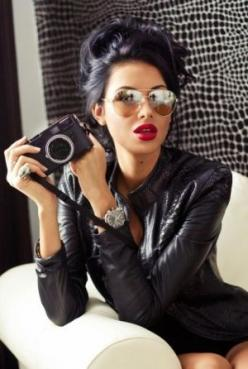 Wish I could pull off those red lips with my black hair!: Fashion, Style, Makeup, Camera, Beauty, Hair Color, Red Lipstick, Redlips