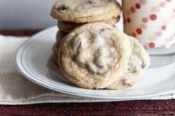 World's Best Chocolate Chip Cookies: Review: These really are the absolute best! These are no fuss and the easiest recipe by far (better than the toll house recipe). Do NOT overbake!!! The recipe says 10-12 minutes, I say 9 1/2 minutes is perfect for