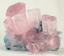 At a guess, morganite and aquamarine  this is perfectt!! if anybody has any more information about this photo please let me know!!!: Crystals, Rose Quartz, Gemstones Minerals, Gem Stones, Quartz Crystal, Rock, Aquamarine, Crystal Healing