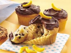 banana chocolate chip cupcakes: Chocolates, Recipe, Chocolate Chip Cupcakes, Bananas, Cake Mix, Party Ideas, Curious George Party, Banana Chocolate Chips