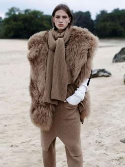 crista cober l'officiel october 2014; it's beautiful but i think it's sheepSKIN. can't we make this without killing sheep but help sheep and make this only from the warm wool of sheep?: Fur Coats, Inspiration, Winter Style, The Official, O