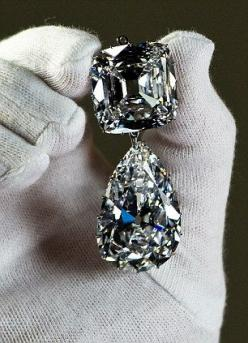 Cullinan III and IV Brooch The third and fourth largest of the gems - a pear-shaped drop of 94.4 carats known as Cullinan III and the cushion-shaped 63.3 carat Cullinan IV - were originally placed by Queen Mary on her new crown in 1911: Worlds Largest, Di