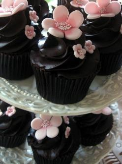 cupcakes: Pink Flower, Chocolate Cupcakes, Sweet, Dark Chocolate, Food, Cup Cake, Cherry Blossoms