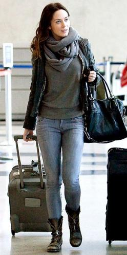 Emily Blunt airport style: Outfits, Fashion, Street Style, Emily Blunt, Blunt Style, Styles, Wear, Fall Winter, Airport Style