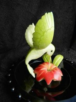 Food art  http://www.artexperiencenyc.com/social_login: Ideas, Fun Food, Fruit Carving, Apples, Fruit Art, Foodart, Food Art, Hummingbirds